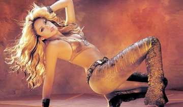 shakira s bollywood debut with a cabaret song -...