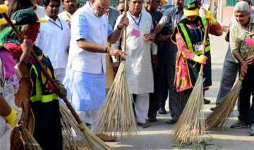 1 year of swachh bharat abhiyaan a lot remains to...