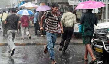 rains disrupt normal life claim 9 lives in thane...