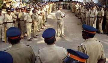 18 army officers held for attacks on police -...