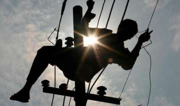 three workers of a private company electrocuted -...