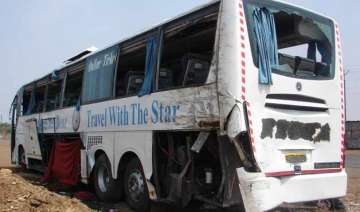 3 killed 42 injured in road mishap - India TV