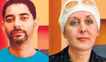 russian woman robbed in delhi flees to mumbai -...