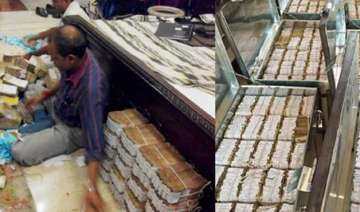 rs 4 lakh fake currency found in cash seized in...