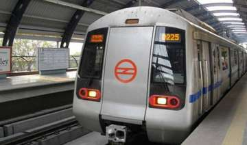 5 of the delhi metro stations to get wi fi soon -...