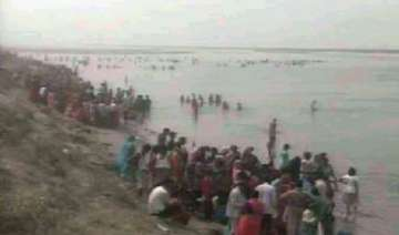 35 feared drowned as boat capsizes in ganga -...
