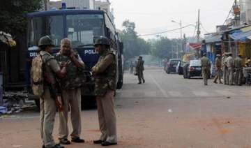 heavy police deployment in trilokpuri - India TV