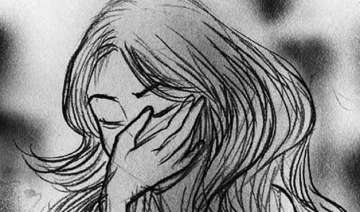 delhi woman kidnapped molested in moving car -...