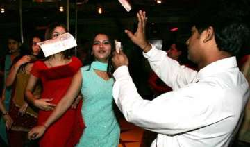 dance bars in maharashtra to reopen as sc stays...