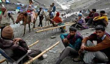 amarnath yatra resumes after 2 days of suspension...