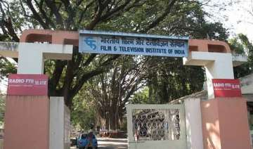 ftii crisis director dean differ on bouncers on...