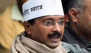 kejriwal threatens to call off gujarat visit if...