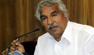 kerala cm hurt in stone pelting by ldf workers -...