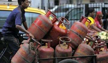 lpg consumers in delhi will get cash subsidy from...