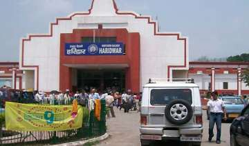 let issues threat to blow up haridwar railway...
