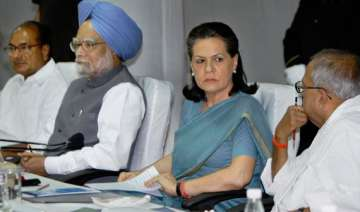 lokpal bill pm holds consultations with cong top...