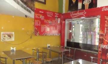 lucknow s iconic coffee house locked - India TV