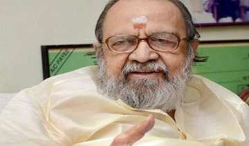 lyricist vaali cremated - India TV
