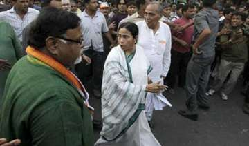mamata s convoy takes wrong route in former...