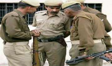 man commits suicide in up police custody - India...