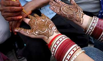 mehndi containing chemicals can cause serious...