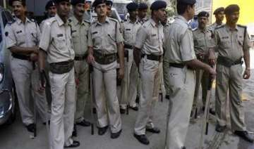 mob in up town goes on rampage burns houses shops...