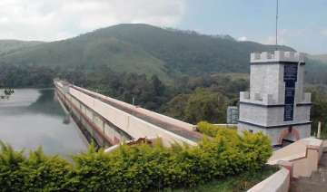 mullaperiyar row centre invites tn kerala for...