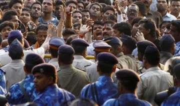 mumbai police appeals to citizens to curtail...