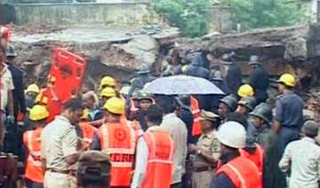 mumbra building collapse death toll climbs up to...