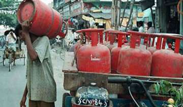no subsidised lpg cylinders for mid day meal...