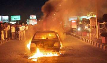 one burnt alive as car catches fire - India TV
