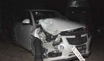 one dead four injured in car tempo collision in...