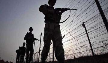 3 pak civilians cross into india by mistake -...