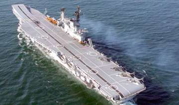 passenger boat rams into ins viraat - India TV