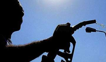 petrol price to be cut by over re 1 - India TV
