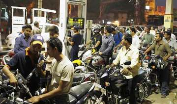 petrol prices hiked by rs 2 per litre - India TV