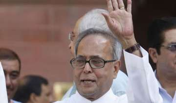 pranab promises to bring lokpal bill in monsoon...