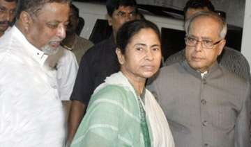 pranab visits mamata s ailing mother in hospital...