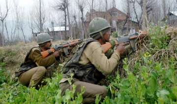 pulwama encounter enters second day - India TV