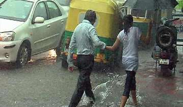 rain in delhi no dip in temperature - India TV