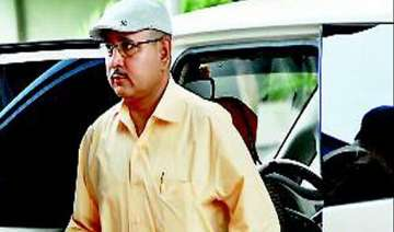 sc directs absconder gujarat adg pandey to appear...