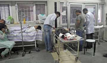 six wounded in kashmir explosion - India TV
