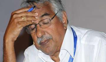 solar scam kerala hc slams probe chandy rules out...