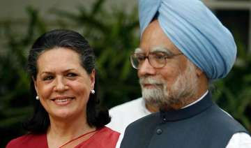 sonia discusses lokpal bill issue with pm - India...