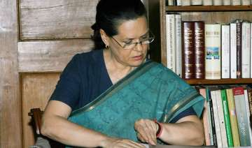 sonia seeks list of absentee mps - India TV