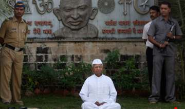 team anna appeals to hazare to end fast - India TV