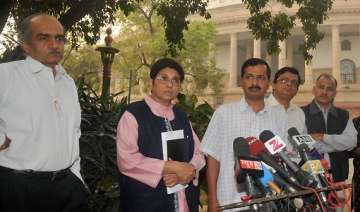 team anna to send notices to 14 union ministers -...