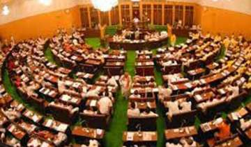 telangana assembly pays tributes to martyrs -...