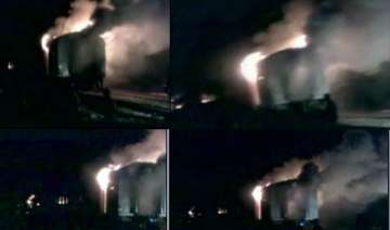 4 rajdhani coaches gutted in fire all passengers...