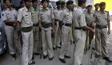two up policemen rob jeweller suspended - India TV